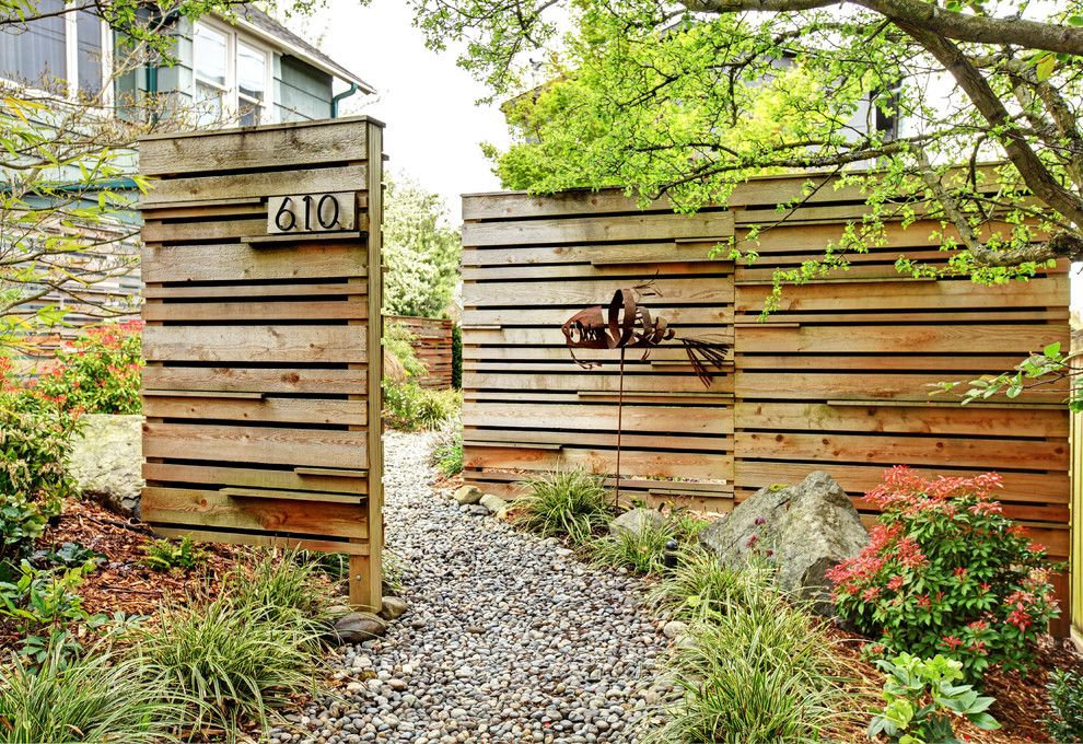 A1 Mulch for a Contemporary Landscape with a Stones and Phinney Energy Remodel by Fivedot