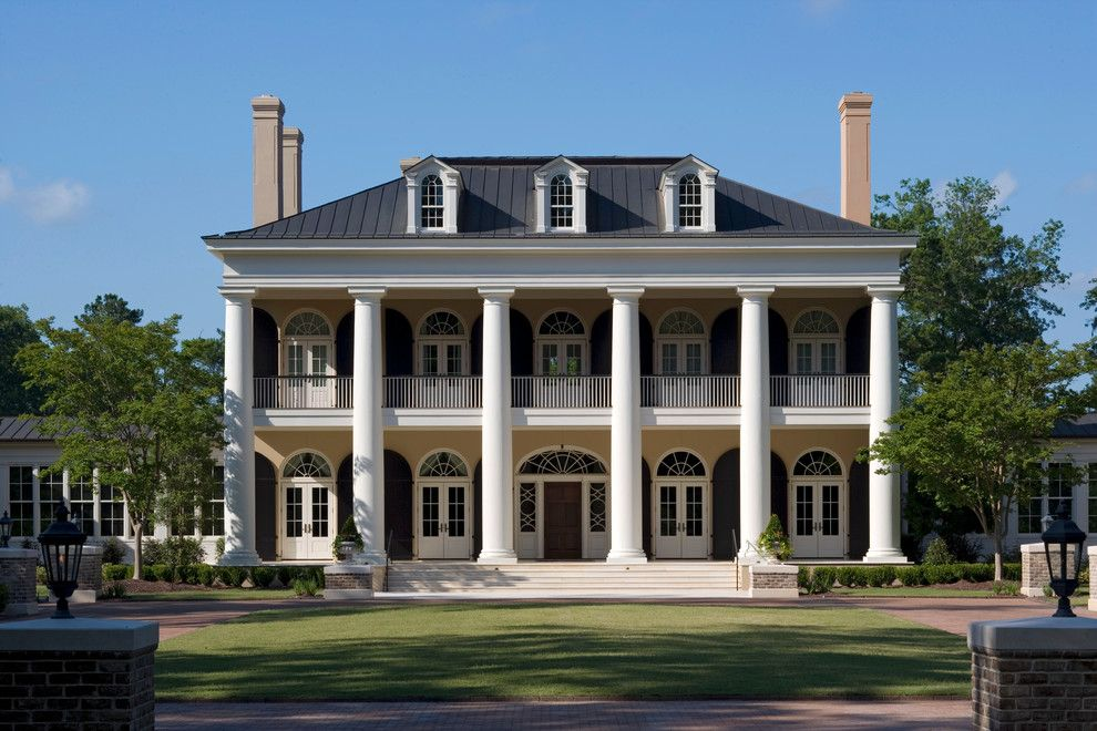 Acadian Style Homes for a Traditional Exterior with a Colonial and Neoclassical Estate | Bluffton, South Carolina by Historical Concepts