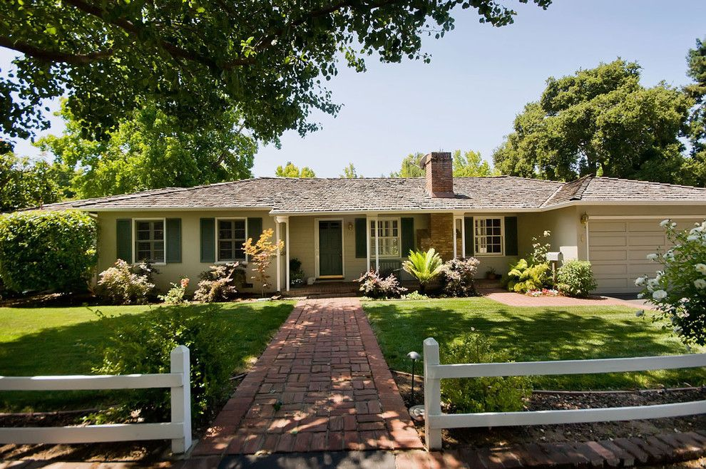 Acadian Style Homes for a Traditional Landscape with a Beinge and Home Front Yards by Mark Pinkerton    Vi360 Photography