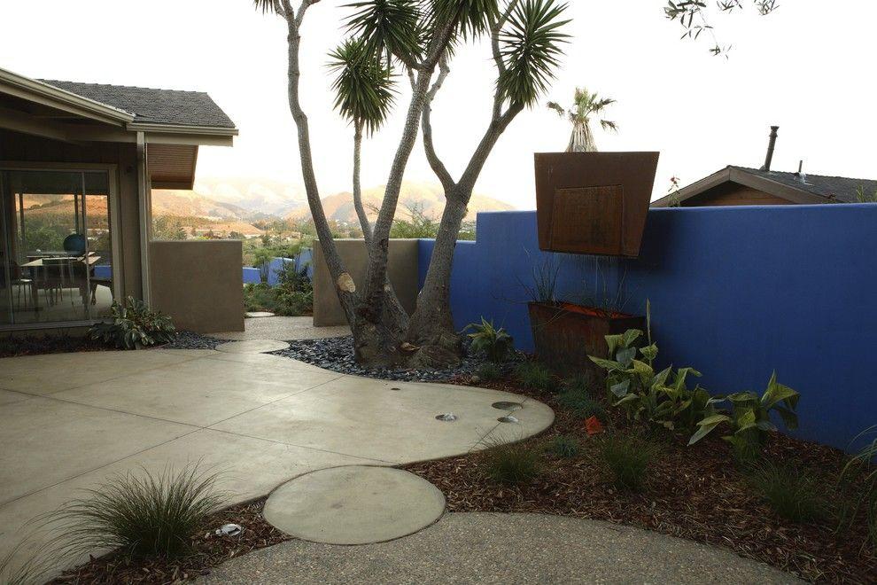 Acid Wash Concrete for a Eclectic Landscape with a Cast Concrete and Christian Residence by Jeffrey Gordon Smith Landscape Architecture