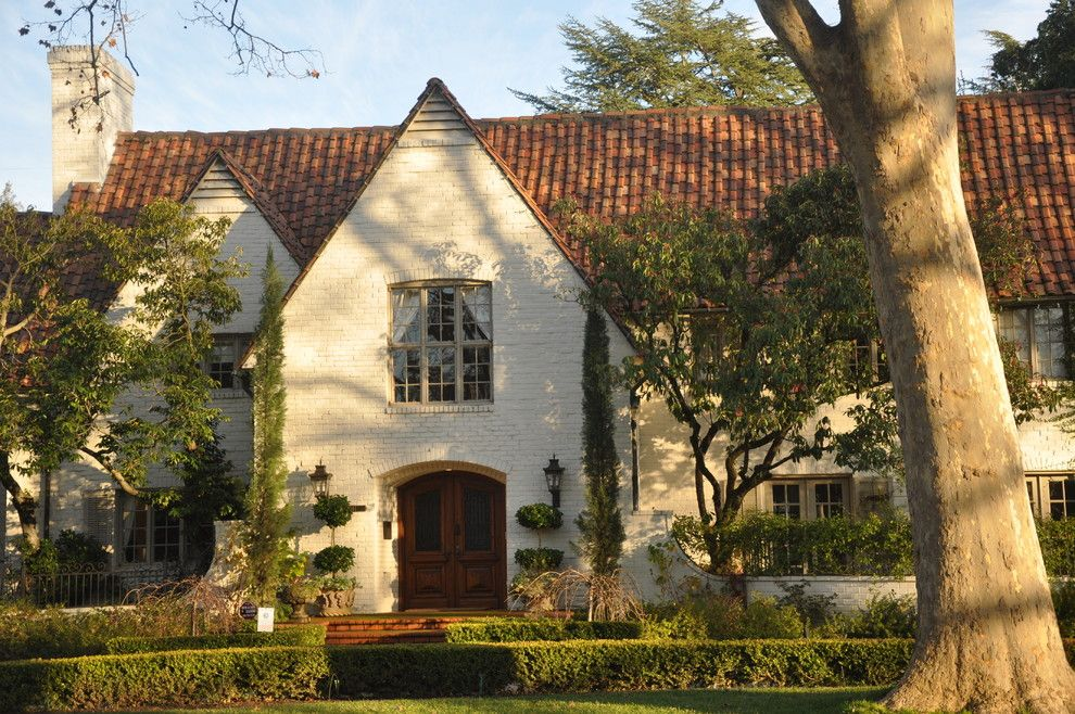 Acme Brick Colors for a Traditional Exterior with a San Francisco and Architecture Walk: Exterior Styles and Palettes by Kerrie L. Kelly