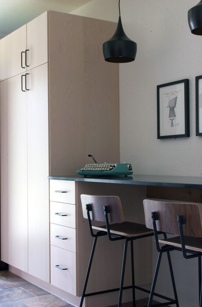 Akurum for a Midcentury Kitchen with a Midcentury and My Houzz: Dana Mcgill Perez by Angela Flournoy