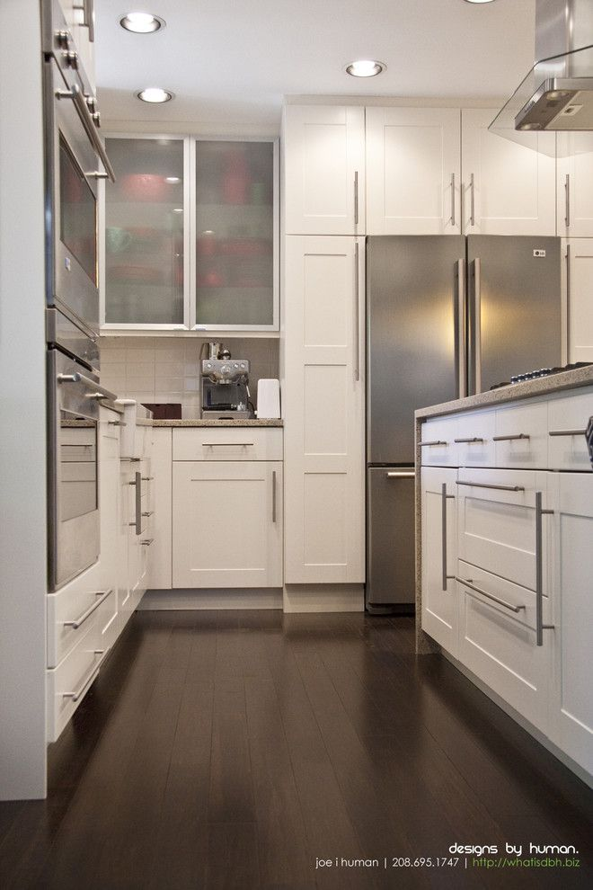 Akurum for a Transitional Kitchen with a Modern Drawer Pulls and Untitled #3 by Designs by Human.