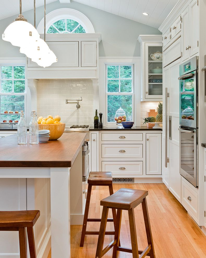 Albert Lee Appliance for a Traditional Kitchen with a Wood Flooring and David Sharff, Aia by David Sharff Architect, P.c.