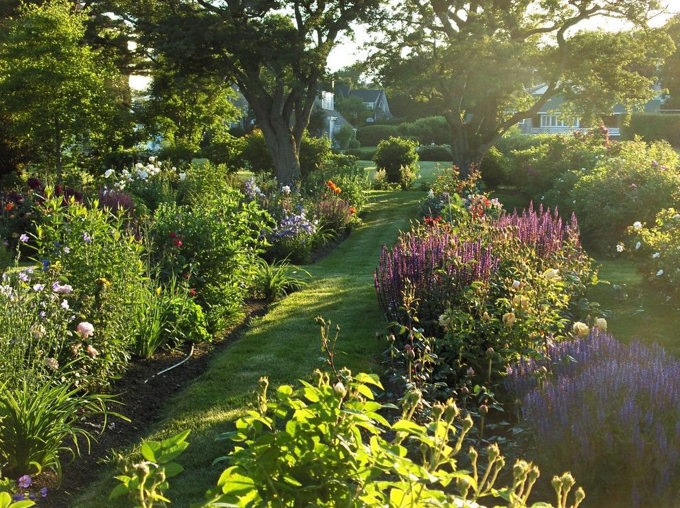 Armstrong Garden Center for a Contemporary Landscape with a Naturalistic and Perennial Garden in Late Afternoon by Ann Kearsley Design