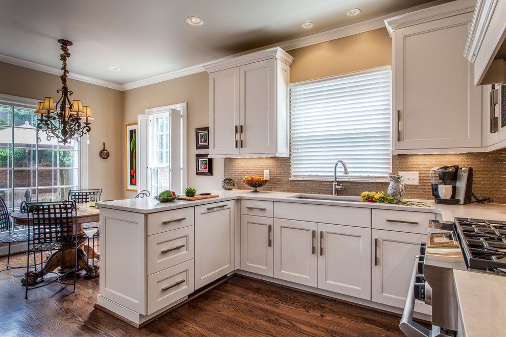 Ashley Norton Hardware for a Traditional Kitchen with a Ashley Norton Hardware and a Woodmont Job by Terri Sears, Kitchen and Bath Designer