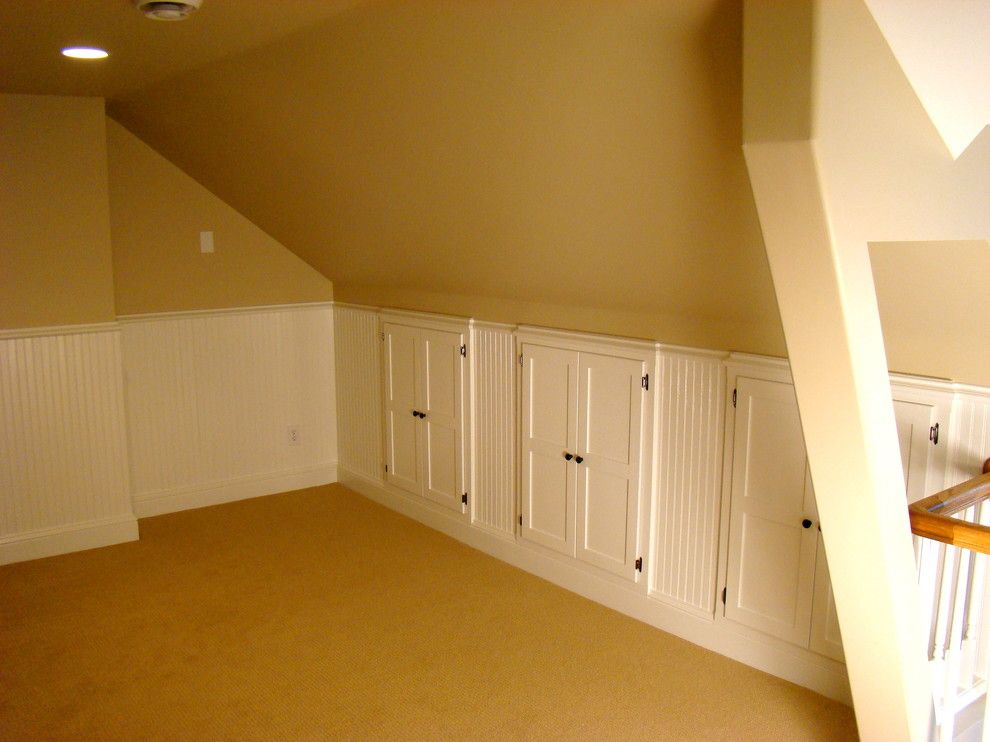 Attic truss for a traditional family room with a attic storage - Traditional houses attic ...