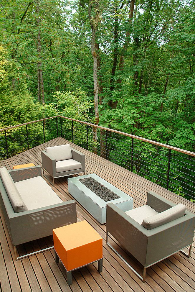 Bacons Furniture for a Contemporary Deck with a Porch and Van Adelsberg / Grant Residence by Giulietti Schouten Architects