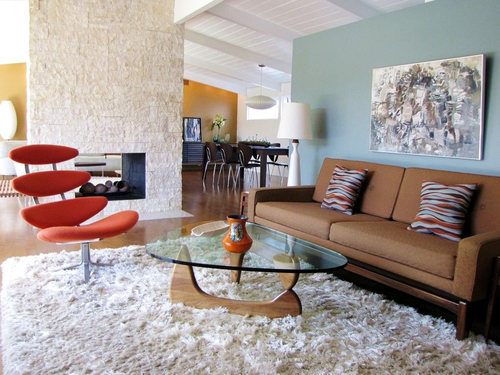 Benjamin Moore Sea Salt for a Midcentury Living Room with a Bubble Lamp and My Houzz: A Cliff May Home Leads the Way in Long Beach by Tara Bussema   Neat Organization and Design