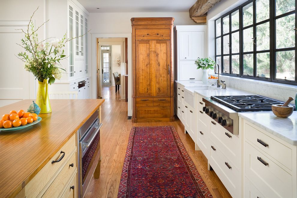 Bob Wallace Appliance for a Traditional Kitchen with a White and Remodel Rewind by Bob Greenspan Photography
