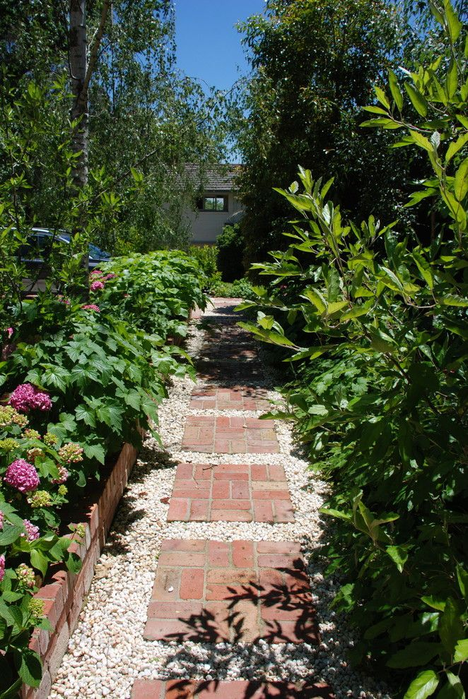 Brick Paver Patterns for a Traditional Landscape with a Garden and Andrew Renn Design. Beautiful Gardens of Melbourne Australia by Rennta