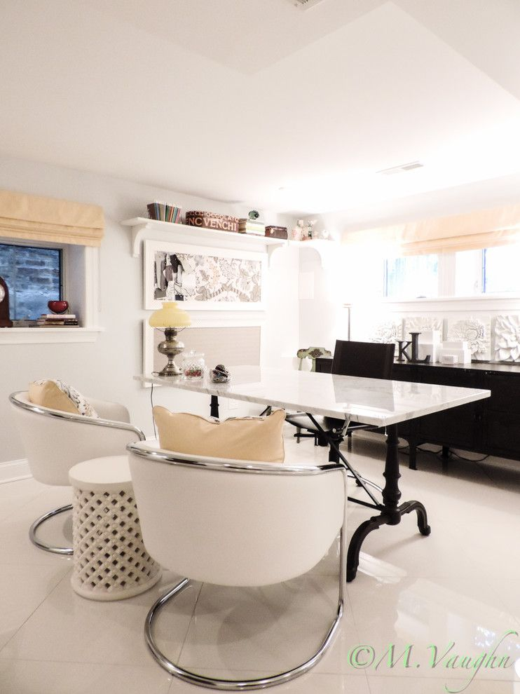 Bulliten for a Transitional Home Office with a Table as Desk and Office by Kalhome by Kalhome