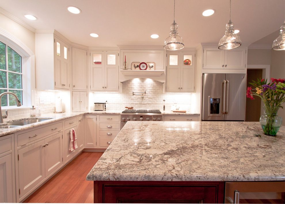 Bullnose Edge for a Contemporary Kitchen with a Tile Backsplash and Thomas Kitchen 7 by Cameo Kitchens, Inc.