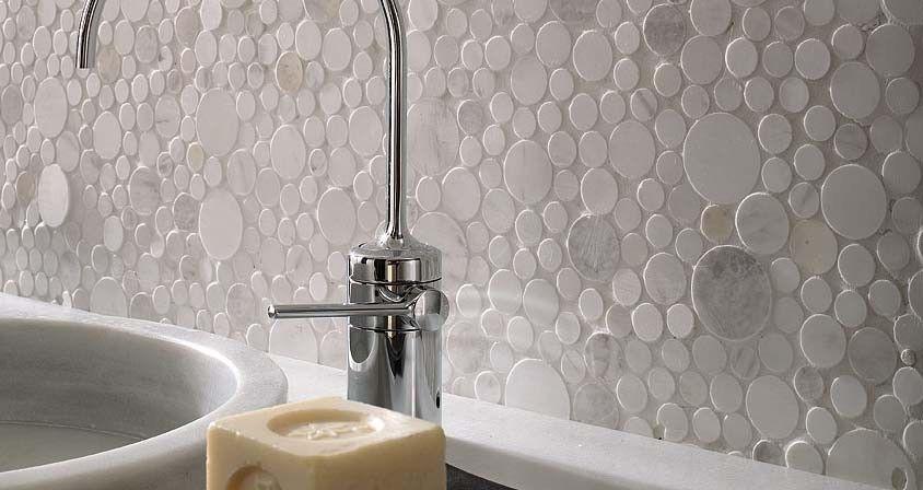 Bullnose Tile San Jose for a Modern Bathroom with a Porcelanosa San Francisco and Porcelanosa Mosaico Moon Wall Tiles by Porcelanosa