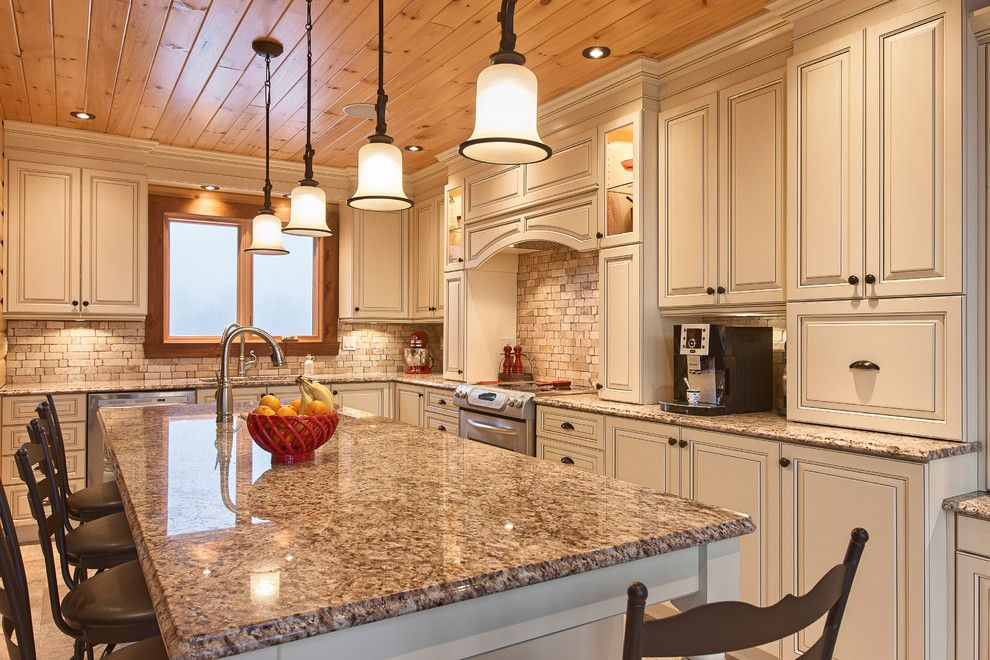 Cabico Cabinets for a Traditional Kitchen with a Traditional Kichen and Cabico by Cuisine Memphré by Cabico