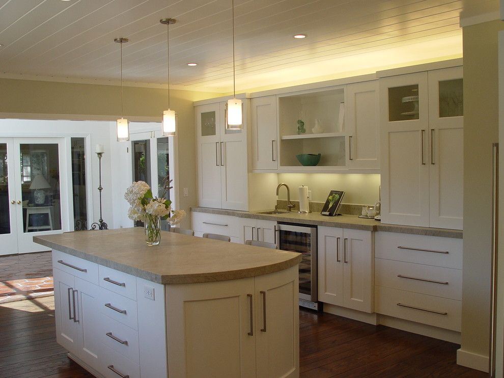 Caesarstone Quartz for a Traditional Kitchen with a Grey Countertops and Lafayette Residence by Home Systems , Wendi Zampino