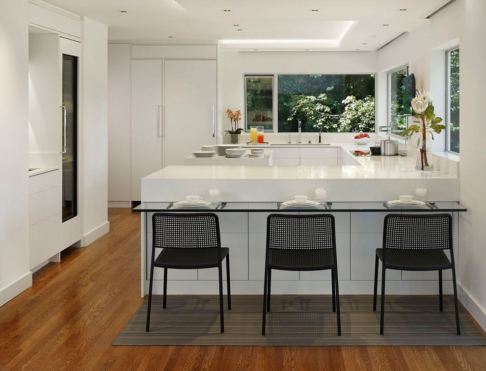 Cb2 Locations for a Modern Kitchen with a Table Setting and Berkeley Modernism by Michael Merrill Design Studio, Inc.