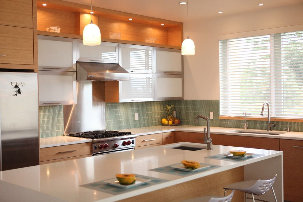 Cesar Stone for a Contemporary Kitchen with a Range Hood and Maui Modern by Mcclellan Architects