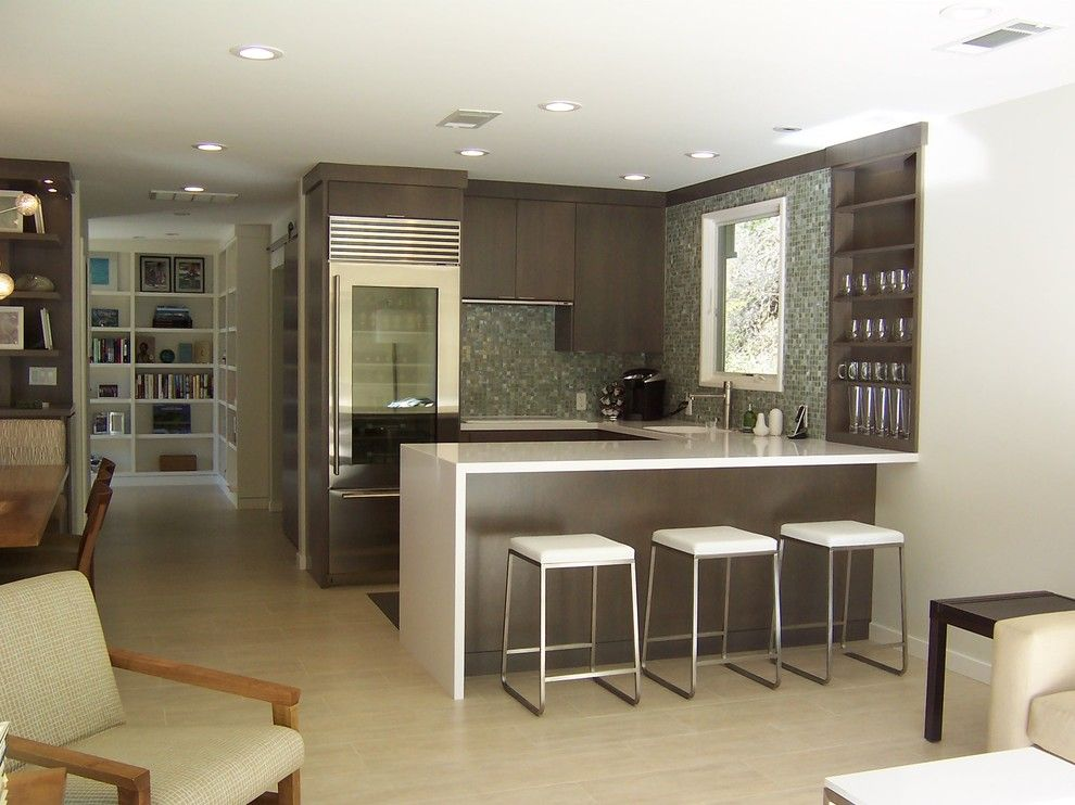 Cesar Stone for a Contemporary Kitchen with a White Countertop and H Hdesign by Hetherwick Hutcheson Design