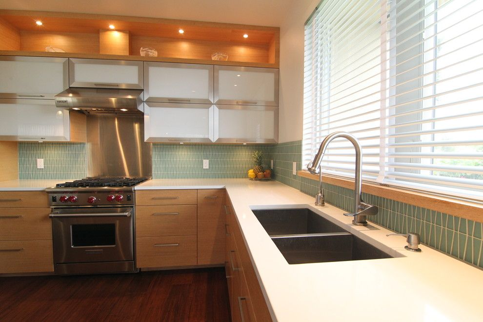 Cesar Stone for a Modern Kitchen with a Glass Tile and Maui Modern by Mcclellan Architects