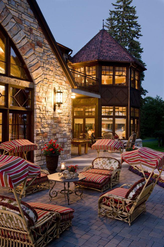 Chilton Furniture for a Traditional Patio with a Marie Meko and Exterior by Gabberts Design Studio