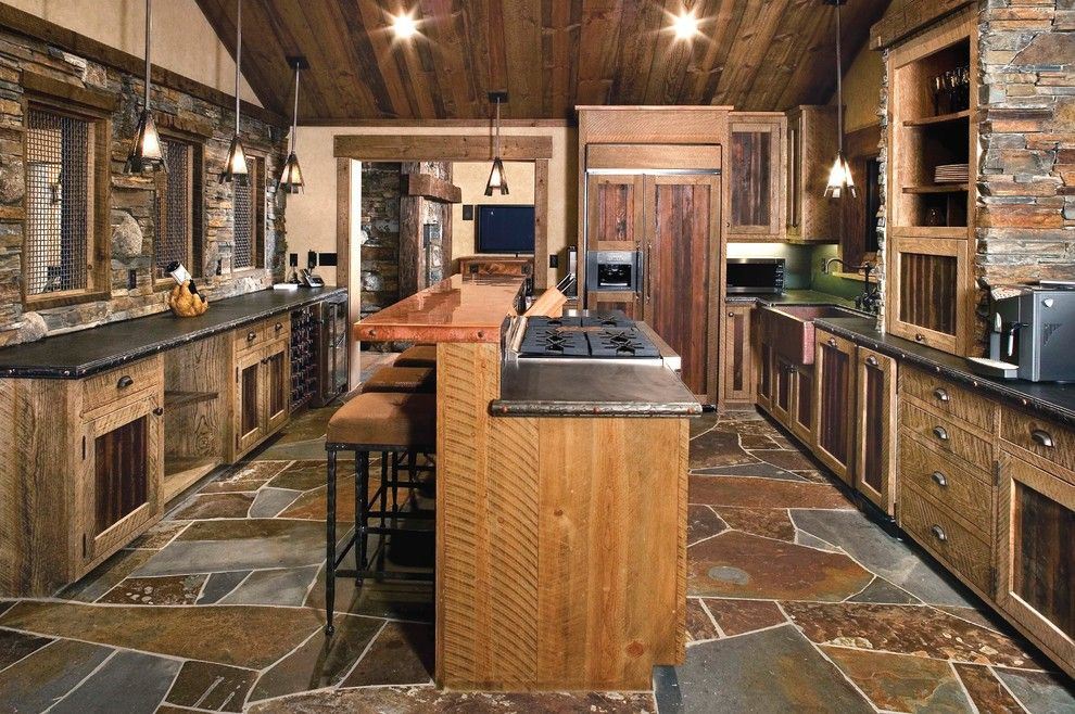 Chippewa Ranch Camp for a Rustic Kitchen with a Integrated Fridge and Ski Slope by High Camp Home