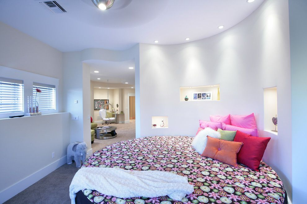 Circlepix for a Contemporary Bedroom with a Pillows and Bedroom by Visbeen Architects