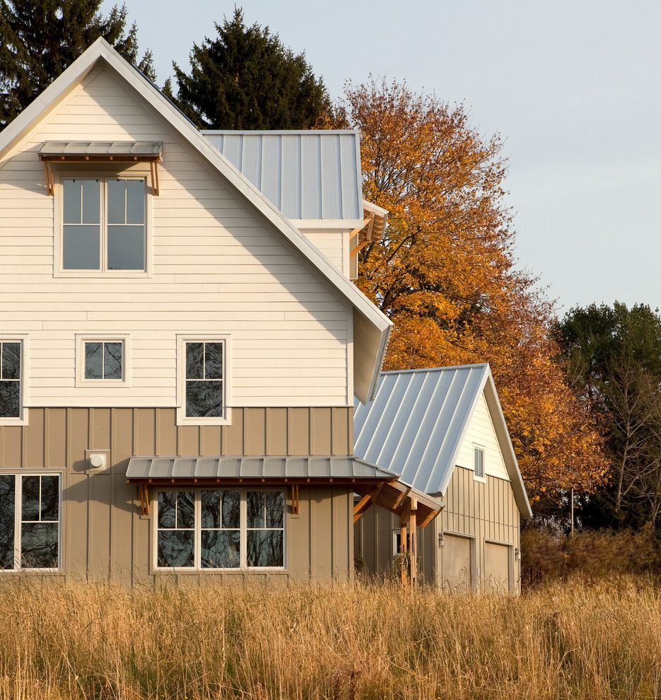 Clapboard for a Farmhouse Exterior with a High Performance and Great Diamond by Brightbuilt Home