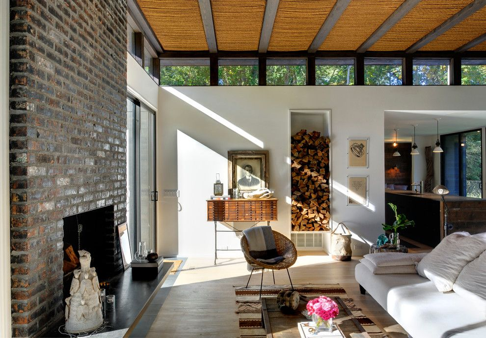 Clerestory Windows for a Modern Living Room with a Kitchen Island and Robins Way by Bates Masi Architects LLC