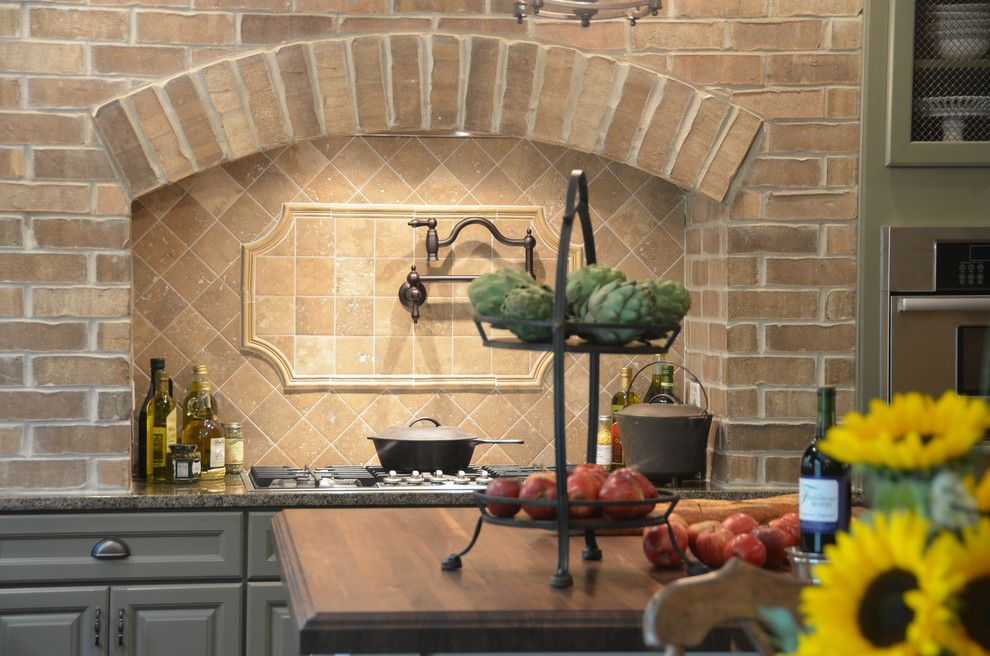 Cobblestone Homes for a Traditional Kitchen with a Traditional and HGTV - Showhouse Showdown Home 1 by Cobblestone Homes