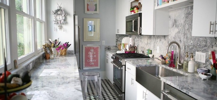 Cold Spring Granite for a Contemporary Kitchen with a Long Kitchen and the Agarita Castle by GALEANA