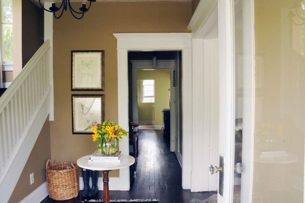 Columbus Worthington Air for a Farmhouse Entry with a Farmhouse and Erin Souder Houzz Tour by House of Earnest