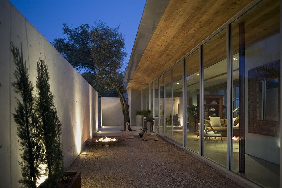 Core Power Yoga Austin for a Modern Patio with a Fire Pit and Ch Portfolio by Hargrave Architecture