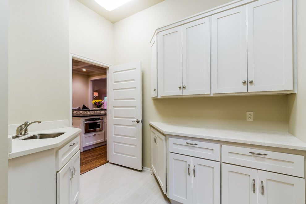 Craiglist Oklahoma City for a Traditional Laundry Room with a Walk in Closet and Arbor Creek Bungalow   Kenton Floor Plan by Punnett Construction