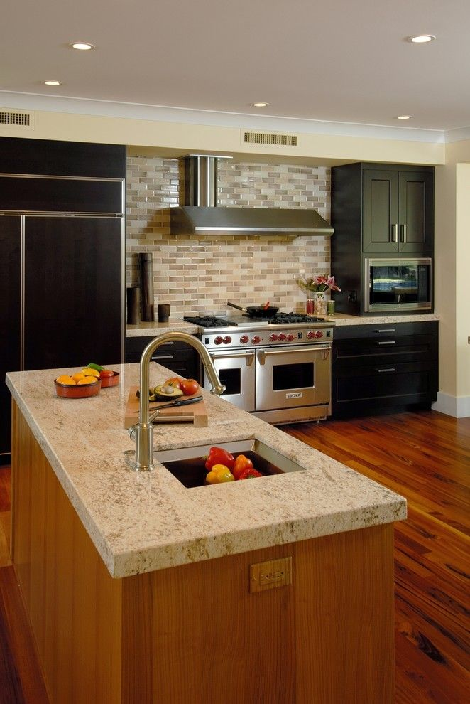 Crema Pearl Granite for a Contemporary Kitchen with a Stainless Steel Appliances and Honua by Archipelago Hawaii Luxury Home Designs