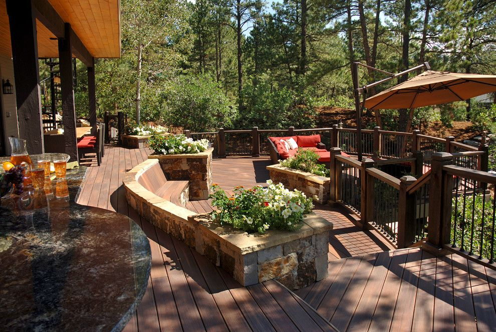 Cst Pavers for a Southwestern Deck with a Built in Planter Bench and Fiberon by Fiberon Decking
