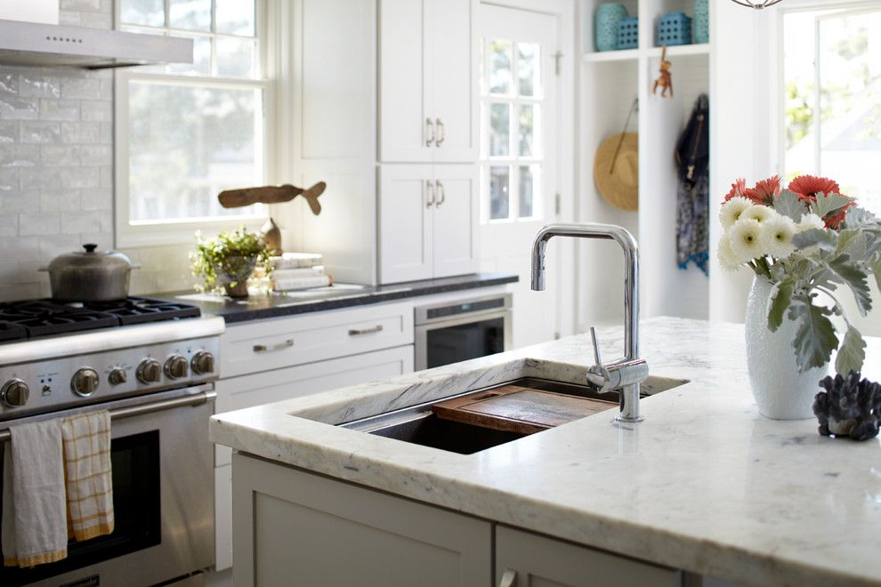 Cumtv for a Beach Style Kitchen with a Shaker Doors and Beach House Kitchen by Jules Duffy Designs