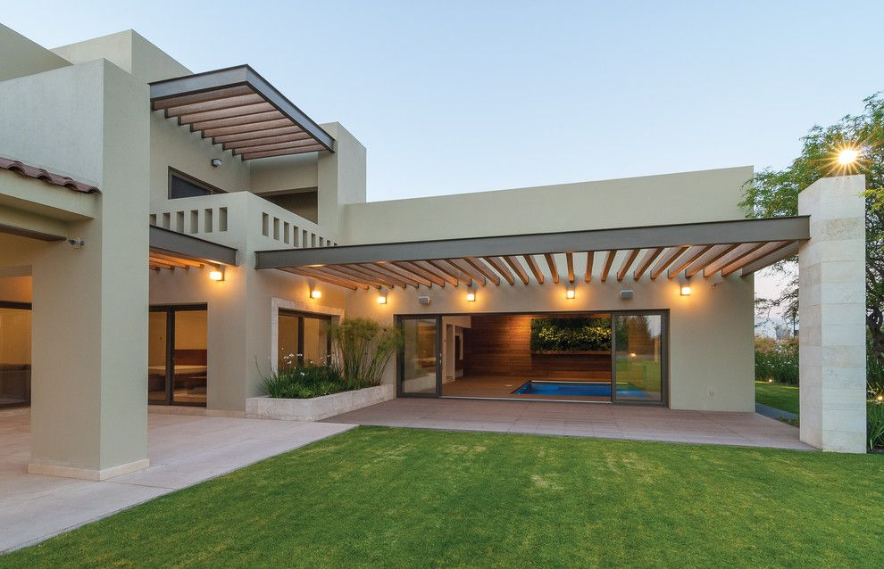 Daltile Las Vegas for a Modern Exterior with a Clearn Lines and CASA MORU by VEGA VEGA ARQUITECTOS