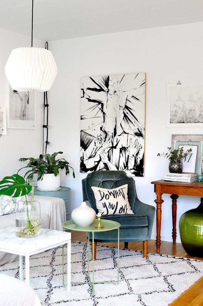 Declutter for a Eclectic Living Room with a Interior and Inredningsreportage by Monteliushome