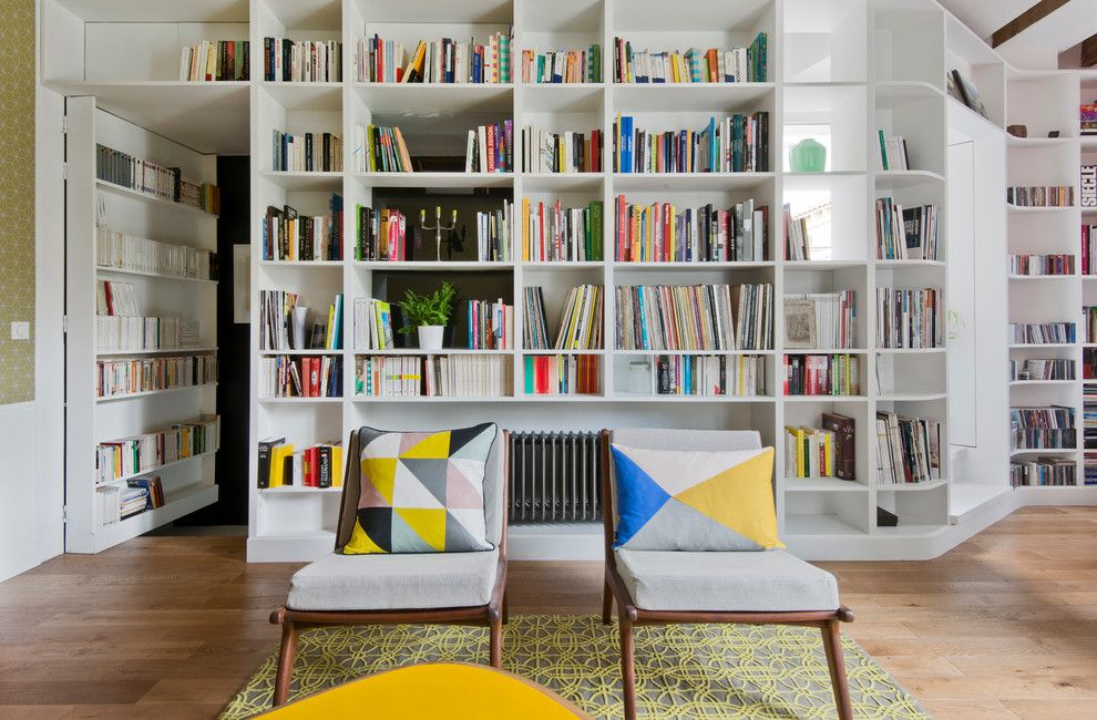 Declutter for a Scandinavian Living Room with a Paire De Fauteuils Rtro and Un Grand Salon Cosy by Agence LALM