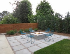 Decomposed Granite for a Contemporary Patio with a Grass and Green Lake by Coates Design Architects Seattle