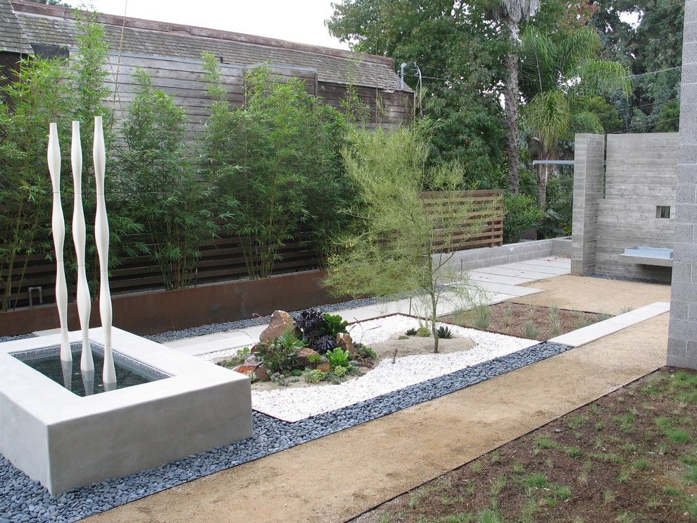 Decomposed Granite for a Modern Landscape with a Sculpture and Grounded   Modern Landscape Architecture by Grounded   Richard Risner Rla, Asla