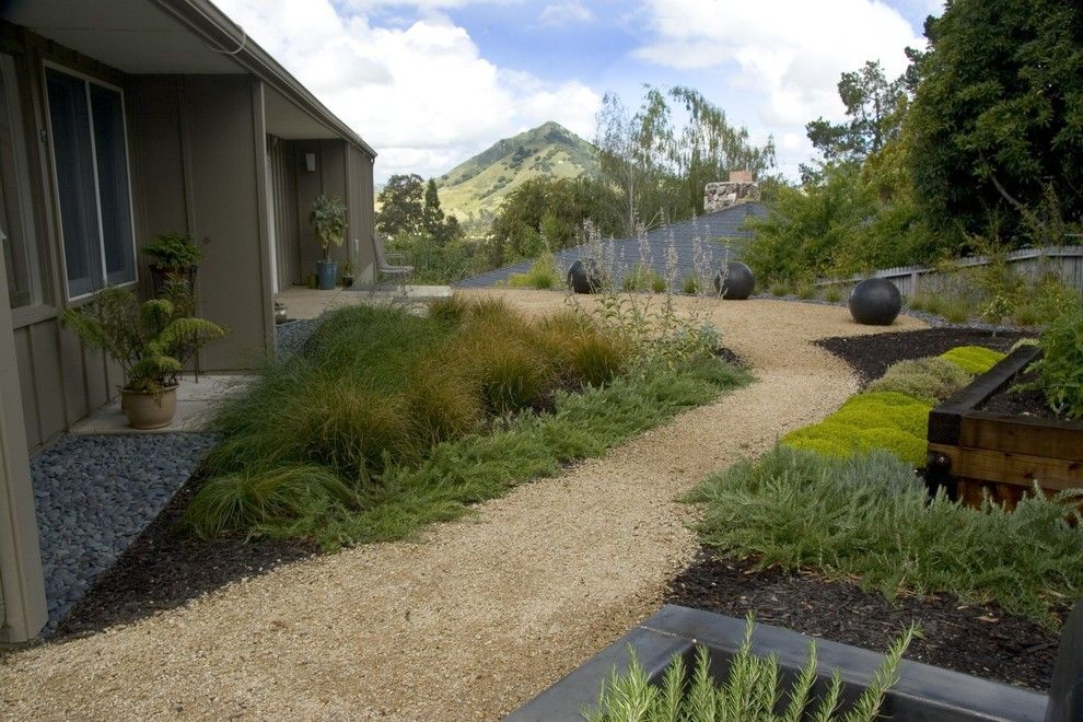 Decomposed Granite Patio for a Midcentury Landscape with a Drought Tolerant and Bonifield Residence by Jeffrey Gordon Smith Landscape Architecture