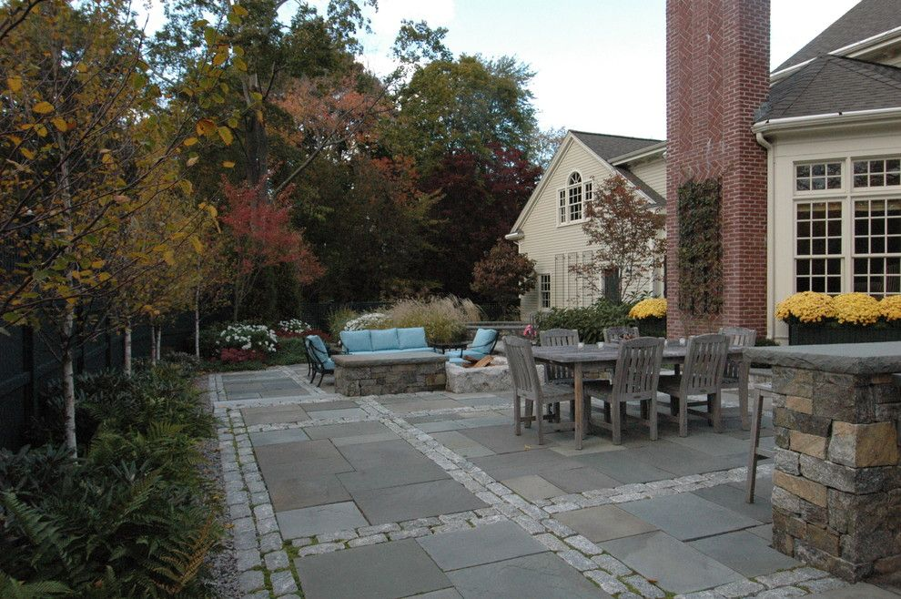 Decomposed Granite Patio for a Traditional Patio with a Paving Design and Dining Terrace by Timothy Lee Landscape Design