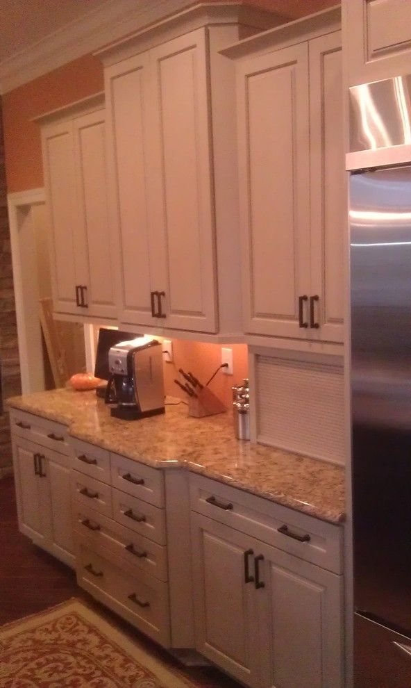 Decora Cabinets for a Traditional Spaces with a Knoxville Tn and Angela Raines Designs by Kitchen Sales Gallery