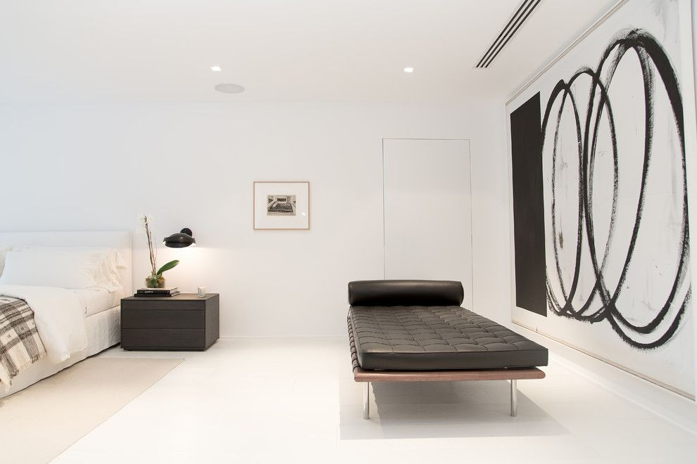 Diy Daybed for a Contemporary Bedroom with a Oscar and Oscar Ono | Miami Beach Villa | Private Residence by Oscar Ono Paris