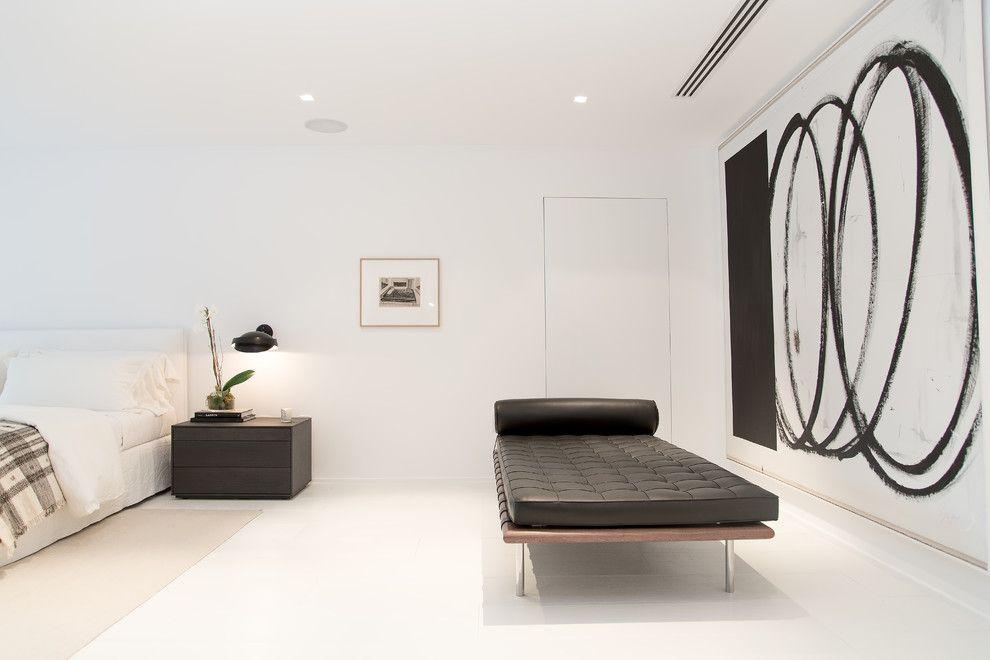 Diy Daybed for a Contemporary Bedroom with a Oscar and Oscar Ono | Miami Beach Villa | Private Residence by Oscar Ono Paris