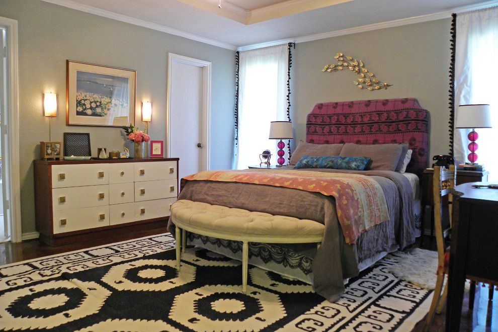 Domicile Furniture for a Eclectic Bedroom with a Dhurrie and Brandi Powers by Sarah Greenman
