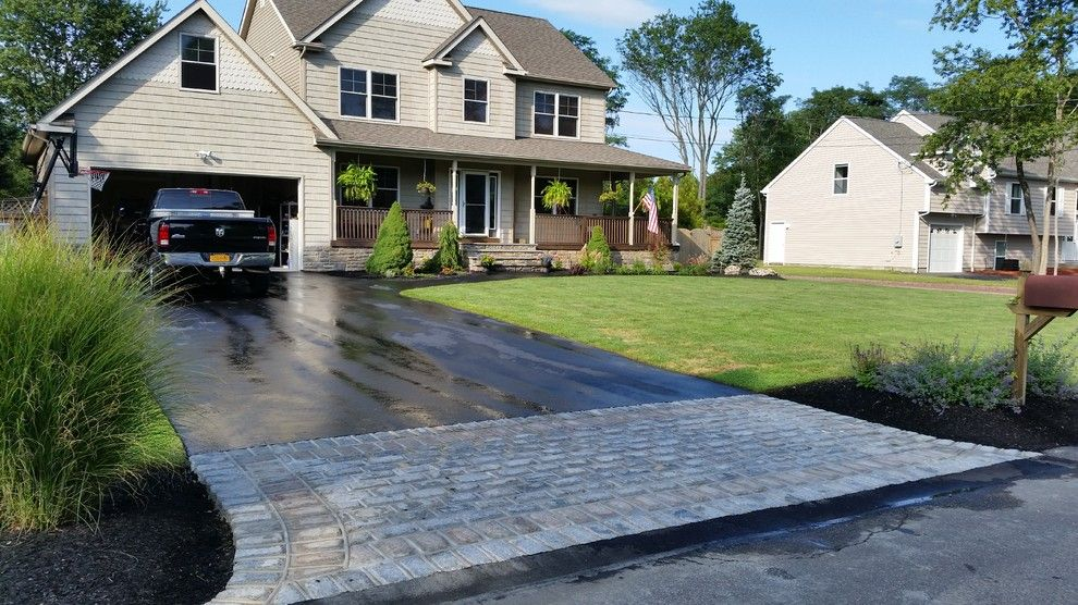 Driveway Apron for a Craftsman Landscape with a Driveway Apron and Driveway Aprons by Legacy Brick & Stone
