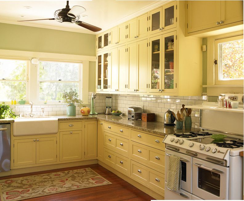 Dunn Edwards Paints for a Craftsman Kitchen with a Paint Color and Craftsman Bungalow by Dunn Edwards Paints